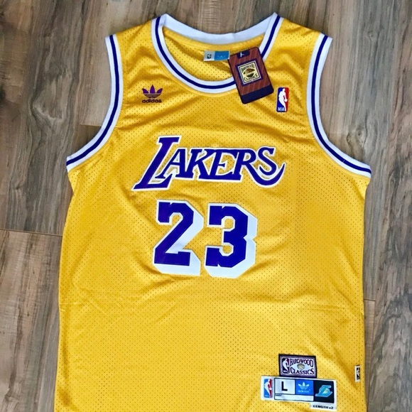 best loved de85e c0a18 ‼️ Lebron James Lakers Jersey Throwback Yellow NWT NWT